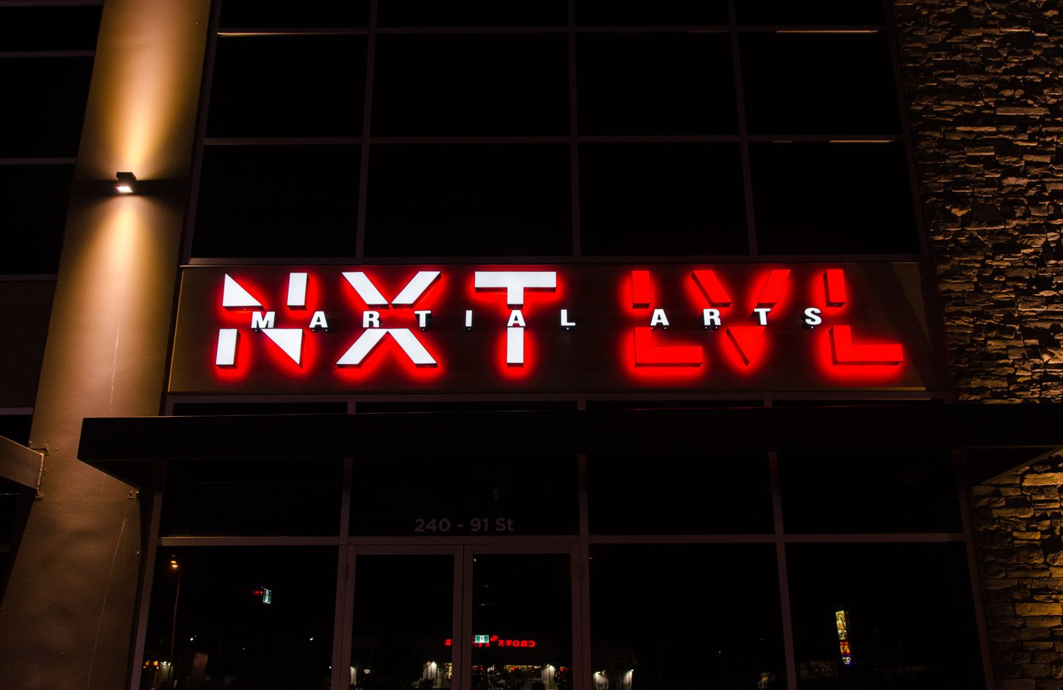 city-img-signs-NXT-LVL-pr3